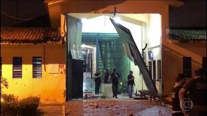 Mais de 100 presos conseguem fugir de presídio em João Pessoa (PB)