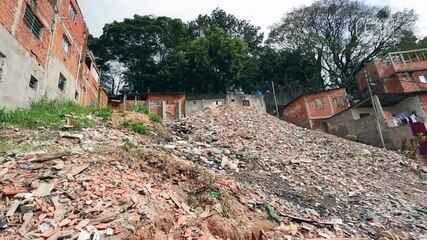 Comunidade da Zona Sul de SP quer transformar 'lixão' em parque