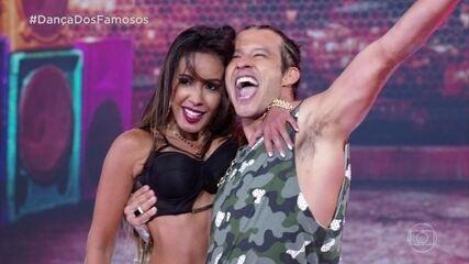 Nando Rodrigues e Tatiana Scarletti se jogam no funk