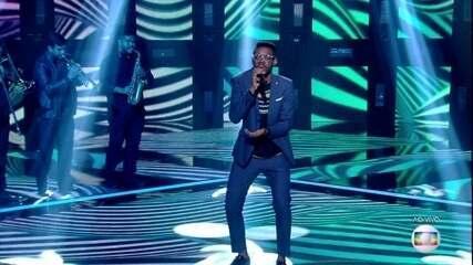 "Kevin Ndjana canta ""Mina do Condomínio"""