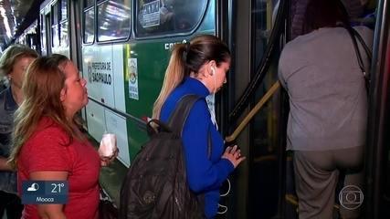Pesquisa mostra que o paulistano gasta quase 3 horas por dia no trânsito