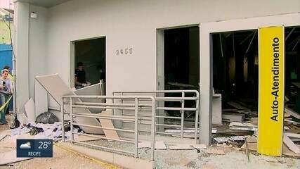 Bandidos explodem agência do Banco do Brasil, em Moreno