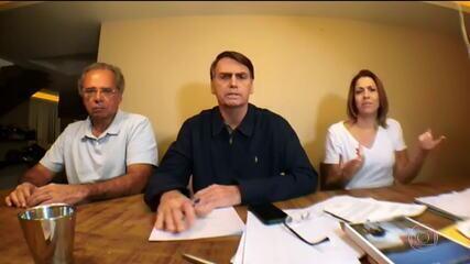 Bolsonaro faz pronunciamento em transmissão na internet e fala de disputa do 2º turno