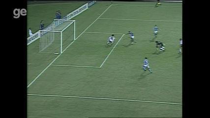 Confira os gols de Grêmio 4x0 River Plate em 2002