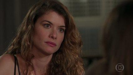 Isabel afirma não ter certeza se Priscila é filha de Alain ou de Felipe