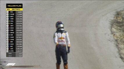 Daniel Ricciardo abandona a prova e Vestappen assume o quarto lugar