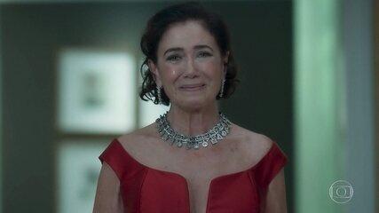 Valentina sofre ao lembrar que Egídio a abandonou no altar