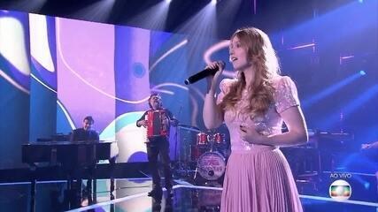 Malu Rodrigues cantou 'Fascinação'