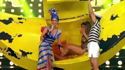Relembre Mari Santos e Borat dentro de uma banana