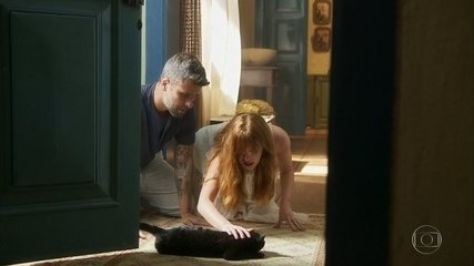 León busca abrigo na casa de Sóstenes após de machucar seriamente