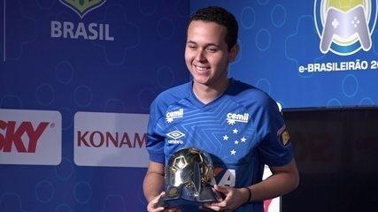 Henriquinho vence com o Cruzeiro e é bicampeão do e-Brasileirão