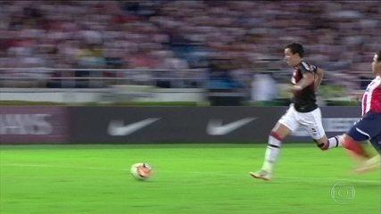Atlético-PR segura empate com Júnior Barranquilla no jogo de ida da final da Sul-Americana