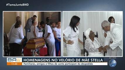 Luto e homenagens: corpo de Mãe Stella de Oxóssi é velado em Nazaré