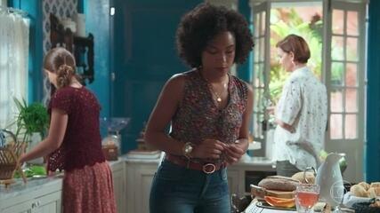 Orientada por Isabel, Sheila sabota o suco de Cris