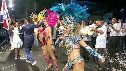 Escola de samba comanda festa de réveillon na Avenida Paulista