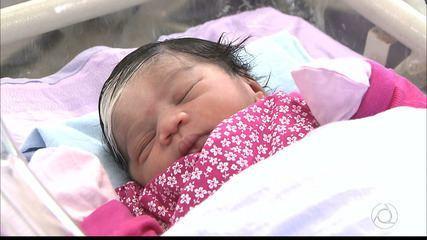 Primeiro bebê a nascer em João Pessoa se destaca por marca rara