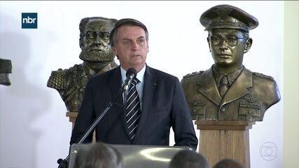 Presidente Bolsonaro participa da transmissão de cargo do ministro da Defesa