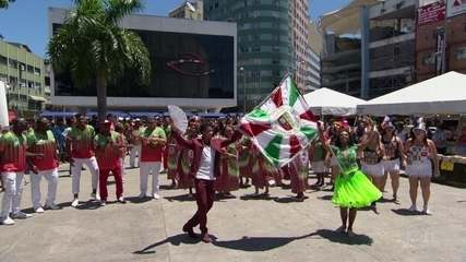 Acadêmicos da Grande Rio leva a 'Educação' para a passarela do samba
