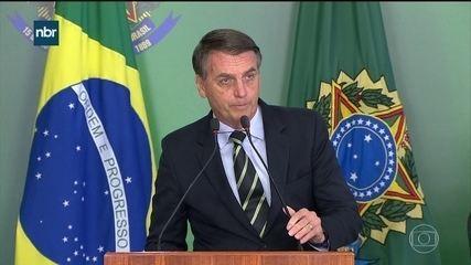 Bolsonaro assina decreto que facilita a posse de armas