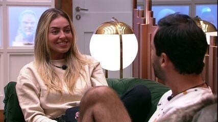 Vinicius imita voz de Paula e sister diz: 'Eu to com medo da minha voz parecer estridante'
