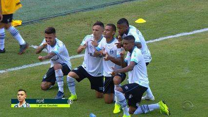 GOL DO GRÊMIO! Pepê, na cara do gol, marca o terceiro do tricolor aos 26' do 2T