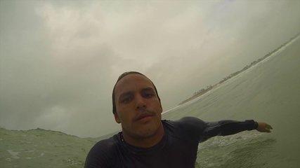 Com estilo, Luel Felipe mostra como pegar tubos pelo mundo