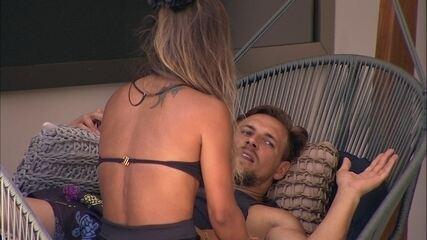 Diego avisa Carol sobre humor: 'Se eu continuar assim vou explodir fácil'