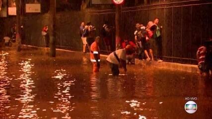 Prefeito do Rio disse que chuva que caiu no Rio foi uma surpresa