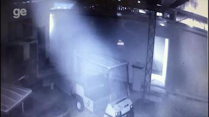 Câmera de Segurança mostra início de incêndio no Ninho do Urubu