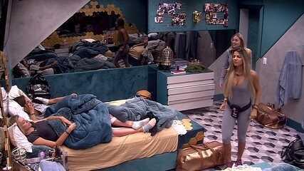 Paula diz: 'A gangue do sono está ficando, o povo legal está indo para o Paredão'