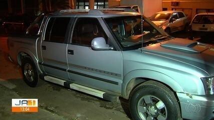 Motorista é preso suspeito dirigir bêbado, atropelar e arrastar homem por 1 km