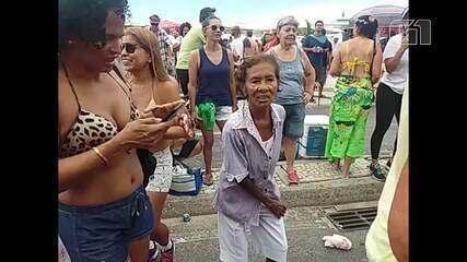 Alegria sem ressaca anima foliões em Copacabana