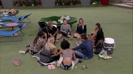 Isabella, Gabriela, Rodrigo e Rízia revelam ter ficado com alguém famoso