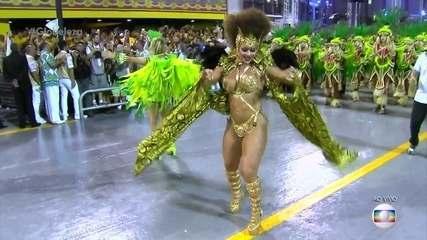 Viviane Araújo vem mais uma vez como Rainha de Bateria da Mancha Verde