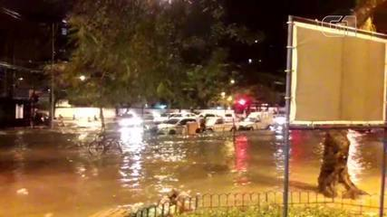 Temporal alaga ruas da Tijuca