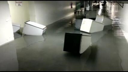 Hospital Geral de Bonsucesso alaga durante chuvas neste domingo (3)