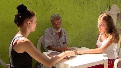 Estrangeiros são voluntários em projetos sociais de Vila Velha