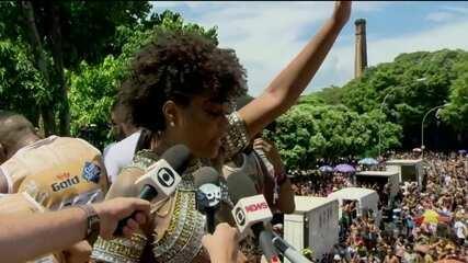 """Ludmilla lamenta fim do bloco com briga e pede que público vá embora """"em paz"""""""