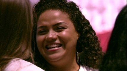 Mayara, irmã do Danrley, chora ao entrar na casa do BBB19