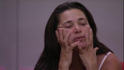 Tereza fala do filho: 'Estava pensando se não valia a pena ter ido embora com ele'