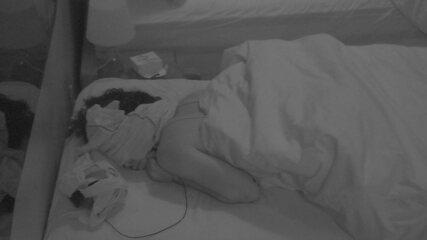 Após noite de formação de Paredão Quádruplo, todos os brothers dormem