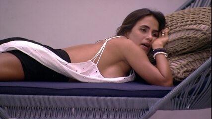 Carolina especula sobre Paredão quádruplo 'Acho que sai só um'