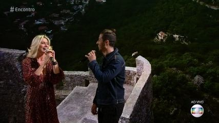 Letícia Spiller lança clipe com o cantor Dienis