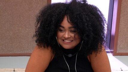 Alberto elogia cabelo de Rízia: 'Belíssimo assim natural'