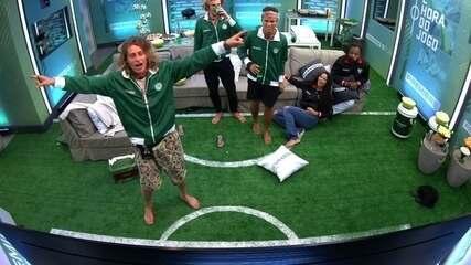 Alberto, Alan e Danrley comemoram o gol do Palmeiras