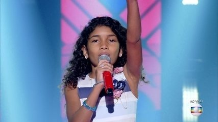 "Beatriz Freitas canta ""Man! I Feel Like a Woman!"""