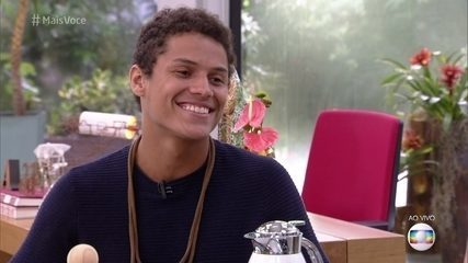 Danrley conta sobre o namoro com Larissa