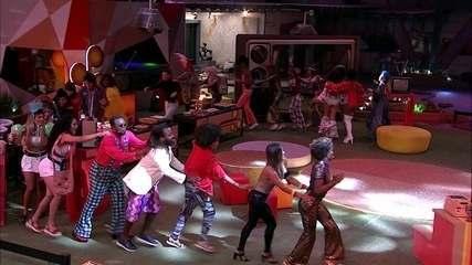 Atores descem do palco e dançam com brothers na pista da Festa Televisão