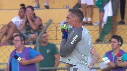 Fernando Prass pega! Murilo bate pênalti e goleiro espalma, aos 12 do 2º tempo