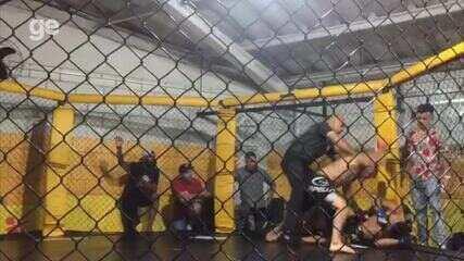Buda acerta joelhada voadora e vence décima luta consecutiva